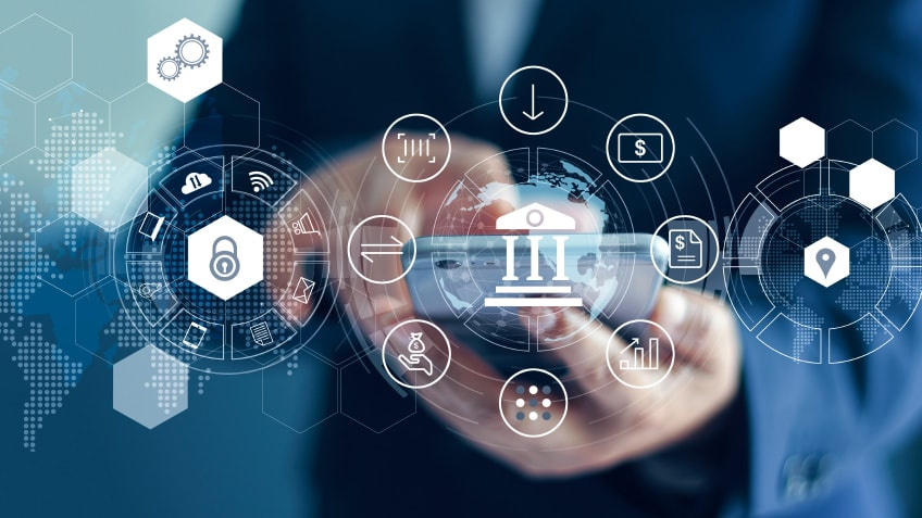 Top trends influencing customer experience in the banking sector in 2021
